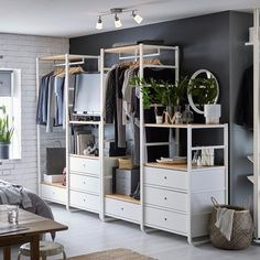 Open Wardrobe Systems - Open Storage Systems - Floor to Ceiling Storage - IKEA Ikea Open Wardrobe, Ikea Closet, Closet Bedroom, Home Bedroom, Bedroom Furniture, Bedroom Decor, Elvarli Ikea, Dressing Pas Cher, Dressing Design