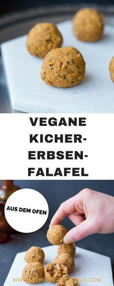 Vegane Falafel aus dem Ofen - mit Kichererbsen und altem Brot gemacht. Ein perfektes Rezept für Resteverwertung! Lang lebe die Kichererbsen-Falafel!