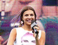 Juve, Cristina Chiabotto presenta la Primavera. Show a Chatillon: sul palco i giovani bianconeri. Indossa orecchini byblos jewels.
