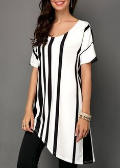 Stylish Tops For Girls, Trendy Tops, Trendy Fashion Tops, Trendy Tops For Women Kurta Designs, Blouse Designs, Chic Outfits, Spring Outfits, Pretty Outfits, Plus Size Kleidung, Mode Hijab, Western Dresses, Fashion Line