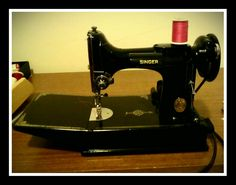 Antique Feather weight sewing machine! Best sewing machine ever made...