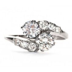 The Insanely Lovely Vintage Engagement Ring Trend I'm SO Obsessed With Right Now