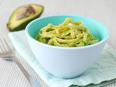 15-minute Avocado Pasta This is truly fuss-free cooking at its best. The only thing you need to cook here is the pasta. The sauce is non-cooking and made from only 3 main ingredients - avocado, olive oil and garlic. Not only can you whip this up in 15 minutes, it is healthy and vegan as well. Of