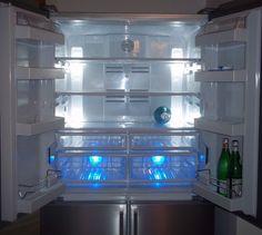 Avere un frigorifero organizzato ci consentirà di risparmiare tempo, spazio e denaro. Come fare? Innanzitutto è necessario conoscere le regole per la conservazione di cibi. La temperatura all'inter...