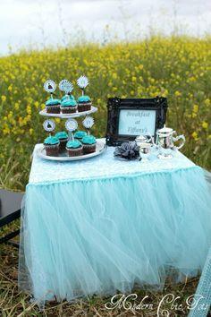 breakfast at tiffanys birthday party | Breakfast at Tiffany's Themed Party Circles, ... | Breakfast at Tiffa ...