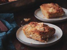 Εύκολο τυρόψωμο με φέτα και πορτοκάλι Healthy School Snacks, Feta, Banana Bread, Dips, Muffin, Pizza, Cooking, Breakfast, Desserts