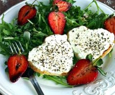 Strawberry & Goats Cheese Salad: 275 Kcals Per Serving www. Goat Cheese Salad, Caprese Salad, Goats, Strawberry, Recipes, Food, Recipies, Essen, Strawberry Fruit