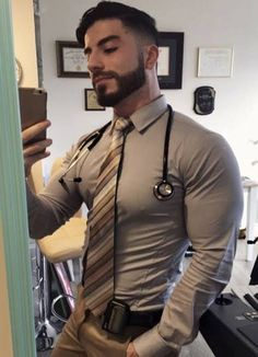 """nipplepigs: """"I love nips poking under a tight shirt """" Hot Doctor, Moda Formal, Hunks Men, Body Building Men, Le Male, Awesome Beards, Business Outfit, Men In Uniform, Suit And Tie"""