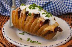 """""""Zemiakový ježo"""" - plnený pečený zemiak."""