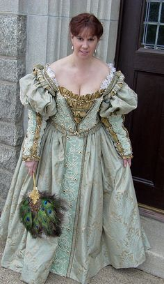 Italian Showcase - Ysabeau at the Realm of Venus:  A Venetian Gown in the Style of  the 1540s - 1550s