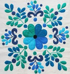 como hacer bordados mexicanos a mano ile ilgili görsel sonucu Mexican Embroidery, Crewel Embroidery, Hand Embroidery Designs, Floral Embroidery, Cross Stitch Embroidery, Embroidery Patterns, Quilt Patterns, Machine Embroidery, Embroidery Tattoo
