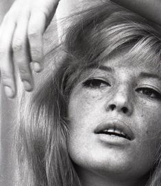 Monica Vitti by Peter Basch Classic Actresses, Female Actresses, Actors & Actresses, Michelangelo Antonioni, Celine, Actrices Sexy, Original Supermodels, Carole, Italian Actress