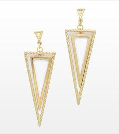 Go for the bold! This pair of triangle pendant earrings look fabulous paired with our triangle pendant necklace.