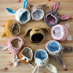 Este es un negocio de gorros de animales , son muy tiernos y se le ve bien a cualquier hombre o mujer , ven ya por el tuyo Doll Patterns Free, Dolly Fashion, Animal Hats, Sewing Dolls, Cute Hats, Soft Dolls, Diy Doll, Fabric Dolls, Doll Accessories