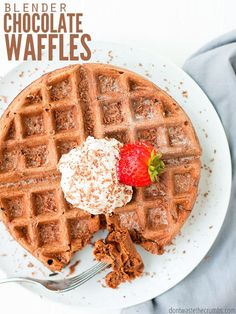 Gluten Free Breakfasts, Healthy Breakfast Recipes, Healthy Sweets, Types Of Chocolate, Healthy Chocolate, Waffle Ingredients, Chocolate Waffles, Waffle Iron, Waffle Recipes