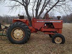 Antique Allis Chalmers Tractors