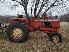 Antique Allis Chalmers Tractors