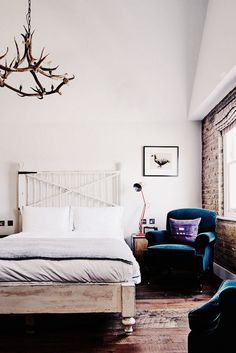 Art placement is key ... Tour London's Most Lust-Worthy New Boutique Hotel via @domainehome