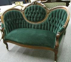 Victorian Upholstered Settee - July 20 2019 at Victorian Couch, Victorian Home Decor, Victorian Parlor, Victorian Interiors, Victorian Furniture, New Furniture, Furniture Design, Victorian Fashion, Antique Furniture