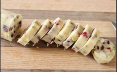 White Chocolate, Pistachio and Cranberry Shortbread Greek Sweets, Greek Desserts, Greek Recipes, Candy Recipes, Dessert Recipes, Strawberry Shortcake Dessert, Think Food, The Best, Food To Make