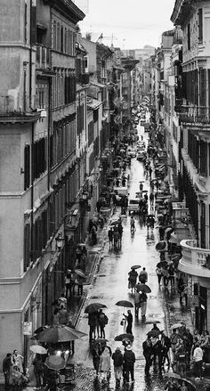 Another typical activity is to walk around Via dei Condotti. There are so  many luxury shops. b4e7c457a4