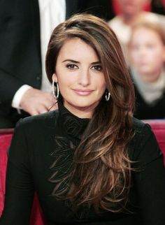 Layered-Side-Part-Hairstyle-of-Penelope-Cruz...lovely highlights for dark hair