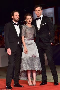 It's a wrap: Kristen and Nicholas kept their arms entwined while posing for photos with th... Nicholas Hoult, Poses For Photos, Girl Gang, Xmen, Kristen Stewart, Film Festival, Drake, Equality, Superstar