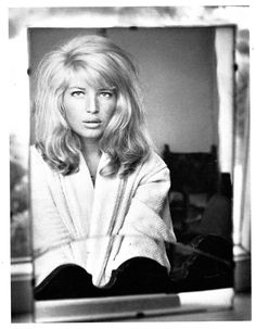 I draw a lot of water in this town — Monica Vitti