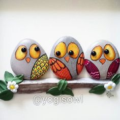 illustration of a flower and a pot sketch on a white background - Ariana Painted Rock Animals, Painted Rocks Craft, Hand Painted Rocks, Painted Pebbles, Rock Painting Patterns, Rock Painting Ideas Easy, Rock Painting Designs, Pebble Painting, Pebble Art