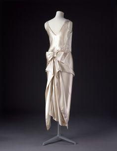 Evening Dress 1920-1922 The Victoria & Albert Museum