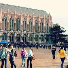 A busy time in Red Square! #youW Photo by Nicky Choi