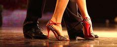 https://www.youtube.com/watch?v=X7J7R8Wveic Historia de la Salsa Cubana. La salsa nace en la década de los 70 y puede considerarse como la culminación de la evolución de la música cubana. En ella se mezclan otros ritmos cubanos como el danzón, el son, el chacha, el mambo, la conga...   #baile #Cuba #Habana #salsa #salsa cubana