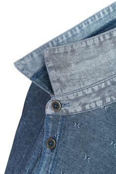 Men's Denim, Fabric Textures, Polo Shirts, Woven Fabric, Printed Shirts, Men's Fashion, Menswear, Detail, Mens Tops