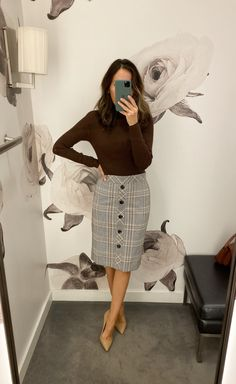 Fitting Room Snapshot (Ann Taylor) ~ Lilly Style - The Effective Pictures We Offer You About vintage outfits A quality picture can tell you many thin - Casual Work Outfits, Business Casual Outfits, Business Attire, Office Outfits, Work Attire, Modest Outfits, Skirt Outfits, Classy Outfits, Chic Outfits