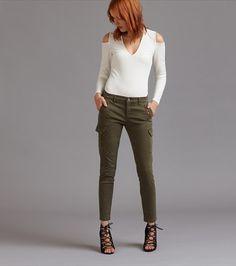 Kate Khaki Skinny Cargo Jeans with Zippers Jeans Skinny, Skinny Legs, My Wardrobe, Capsule Wardrobe, Jeans Cargo, Work Fashion, Fashion Ideas, Your Style, Khaki Pants