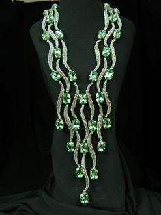 Каскад или наш ответ арабским шейхам | biser.info - всё о бисере и бисерном творчестве Seed Bead Necklace, Seed Bead Jewelry, Diy Necklace, Beaded Jewelry, Handmade Jewelry, Beaded Bracelets, Herringbone Necklace, Herringbone Stitch, How To Make Beads