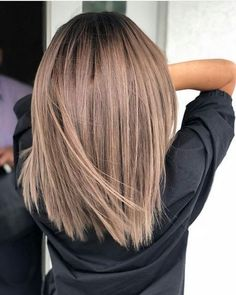 21 Coole Asymmetrische Bob Frisuren für Frauen If you are the one who wants to experiment with your look, applying different types of hair colors will be … Unique Braided Hairstyles, Medium Bob Hairstyles, Trendy Hairstyles, Short Haircuts, Brown Hair Balayage, Hair Color Balayage, Ombre Highlights, Blonde Balayage, Straight Bob Haircut