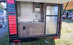 Sunray Sport 115 outdoor kitchen Vintage Trailers For Sale, Airstream Trailers For Sale, Vintage Campers Trailers, Vintage Airstream, Camper Trailers, Airstream Interior, Rv Campers, Lightweight Camping Trailers, Small Camping Trailer