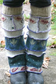 Harry and the Hippe Chic ooak Upcycled Sweater Patchwork Floral Leg Warmers by h… - DIY Clothes Sweater Ideen Pullover Upcycling, Marla Singer, Estilo Hippy, Diy Clothes Refashion, Diy Vetement, Recycled Sweaters, Old Sweater, Altered Couture, Altering Clothes