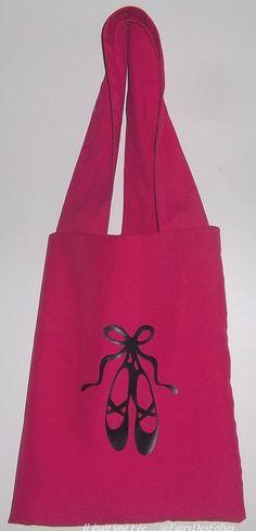 Le Sac  de plage rose fuchsia sac bandoulière tote bag sac de danse ballerines noir