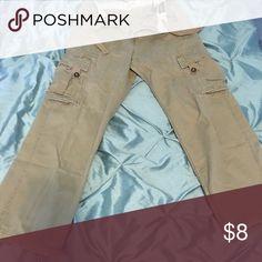 A nice pair of man cargo pan. A pair of cargo pan,used,in excellent condition. Size 31w - 32L Pants Chinos & Khakis