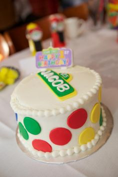 Sesame Street 1st Birthday Party Easy cake idea...well easy to show whole foods and let them make. :-)