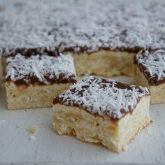 Lamington Slice by oldsheila Baking Recipes, Cookie Recipes, Dessert Recipes, Easy Desserts, Delicious Desserts, Yummy Food, Aussie Food, Australian Food, Dessert Bars