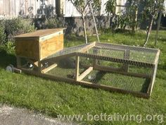 Want to keep rabbit for meats or pet? You need to build a rabbit hutch. Here& a collection of 50 free DIY rabbit hutch plans and ideas. Rabbit Hutch Indoor, Rabbit Hutch Plans, Rabbit Hutches, Guinea Pig Hutch, Bunny Hutch, Guinea Pigs, Bunny Cages, Rabbit Cages, House Rabbit