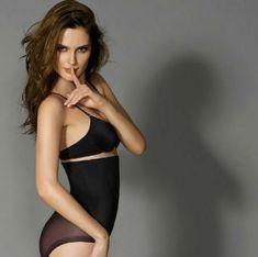 @elzingakousen De Janira Secret Silhueta geeft je een wespentaille en maakt je buik platter. Het broekje van tule-stof omhult zacht je rondingen. Naadloos en totaal onzichtbaar op de benen. Je ziet er goed uit en je voelt je sexy zonder in te leveren op comfort. #shapewear #shape #body #underwear #janira ##enschede #haverstraatpassage #lingerie #hengelo