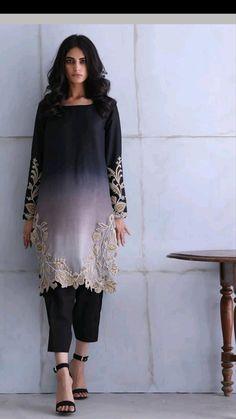 Party Wear Indian Dresses, Pakistani Fashion Party Wear, Designer Party Wear Dresses, Kurti Designs Party Wear, Indian Fashion Dresses, Indian Designer Outfits, Pakistani Outfits, Pakistani Designer Clothes, Designer Wear