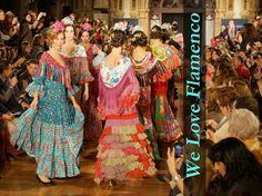 En #Sevilla finaliza la Navidad y comienzan los #desfiles de #modaflamenca http://tupersonalshopperviajero.blogspot.com.es/2014/01/we-love-flamenco-by-pol-nunez.html (éste de #PolNúñez) A la #FeriadeAbril aún le queda unos meses, pero hay que preparar el traje, los accesorios. La #moda #flamenca se renueva cada año y las #tendencias nos llegan en forma de volantes, flecos, lunares y flores. Primero #WeLoveFlamenco y luego SIMOF. Me fui al #HotelAlfonsoXIII a recrear la vista. ¿Qué te…