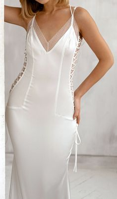 Wedding Lace, Lace Weddings, Trendy Wedding, Dream Wedding, Wedding Dress Trends, Designer Wedding Dresses, Wedding Ideas, Sexy Gown, Amazing Wedding Dress