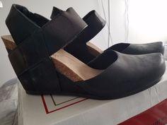 New in box Pierre Dumas wedge heels size 10 #PierreDumas #heels #anytimeCheck out New in box Pierre Dumas wedge heels size 10 #PierreDumas #heels #anytime http://www.ebay.com/itm/-/302445576826?roken=cUgayN&soutkn=xeBBY4 via @eBay