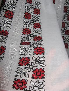 Hand embroidered Romanian blouse - red - black flowers L size Cross Stitch Charts, Cross Stitch Patterns, Palestinian Embroidery, Black Flowers, Red Blouses, Beaded Embroidery, Red Black, Applique, Quilts